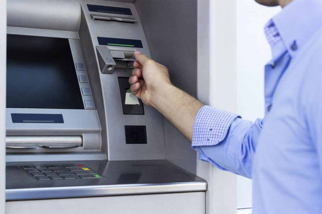 Bancos no Cobrarán Comisión por Retiro de Efectivo o Consulta de Saldos en Cajeros Automáticos